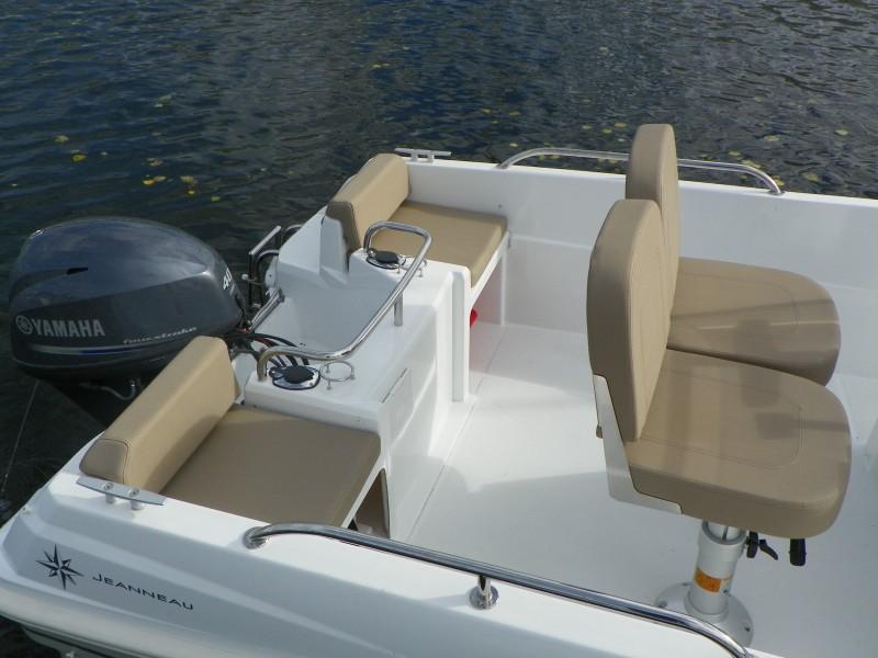 boat-4.7CC_exterieur_201311071527166